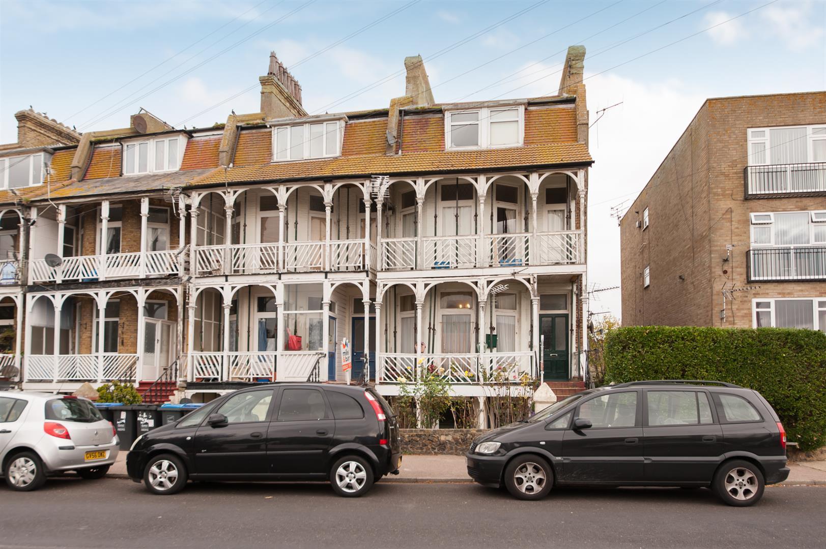 1 Bedroom Flat for sale in Minnis Road, Birchington